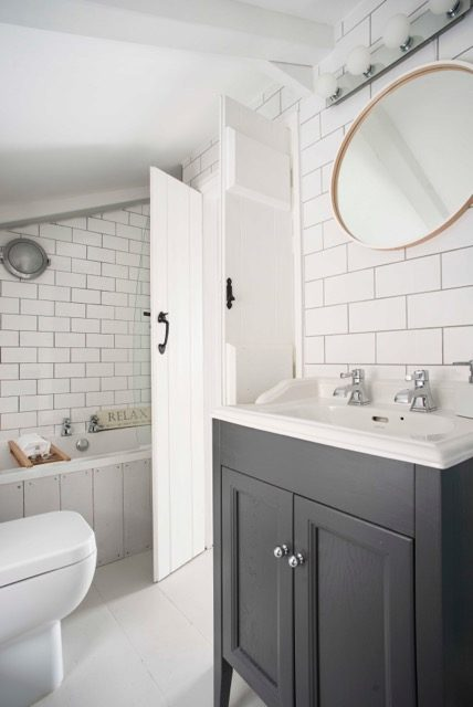 bathroom holiday cottage cornwall